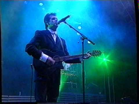 Runrig - Edge Of The World (Live Stirling Castle 1997)