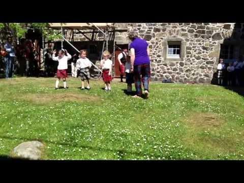 Kids Learn Ceilidh Dance