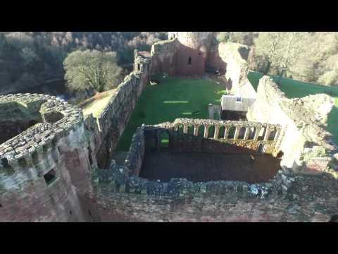 Bothwell Castle 003