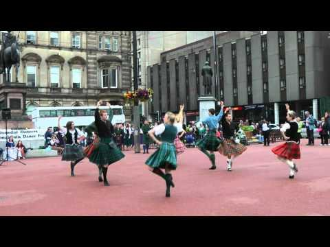 Scottish Folk Dance: Strathspey & Tulloch