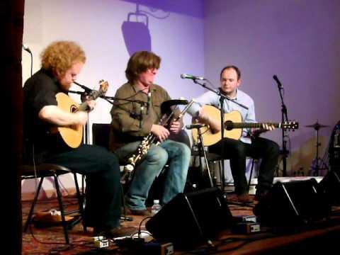 Fred Morrison Trio, Mid Yell, Shetland Folk Festival 2011.MOV