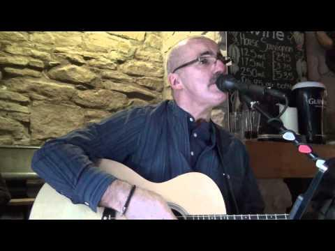 Robert Carmichael Sings Proclaimers I'm On My Way Live Drymen Inn Drymen Scotland